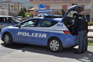 Vittoria, la polizia sventa un furto in un deposito