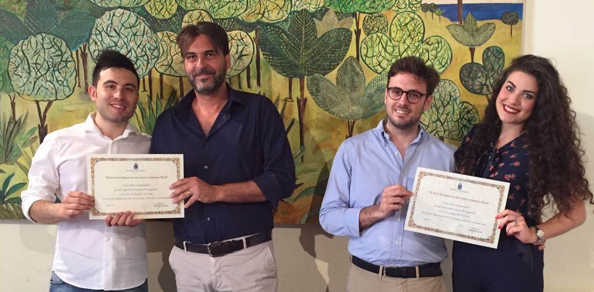 Vittoria, il sindaco e il presidente del Consiglio premiano due