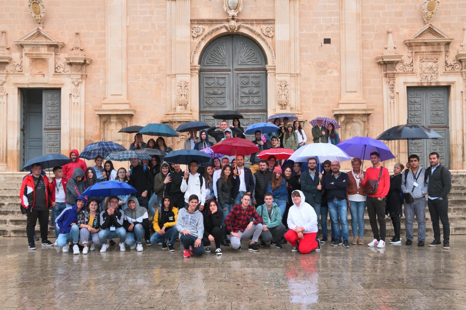 """Vittoria, studenti stranieri in città ospiti dell'Istituto """"Fermi"""""""