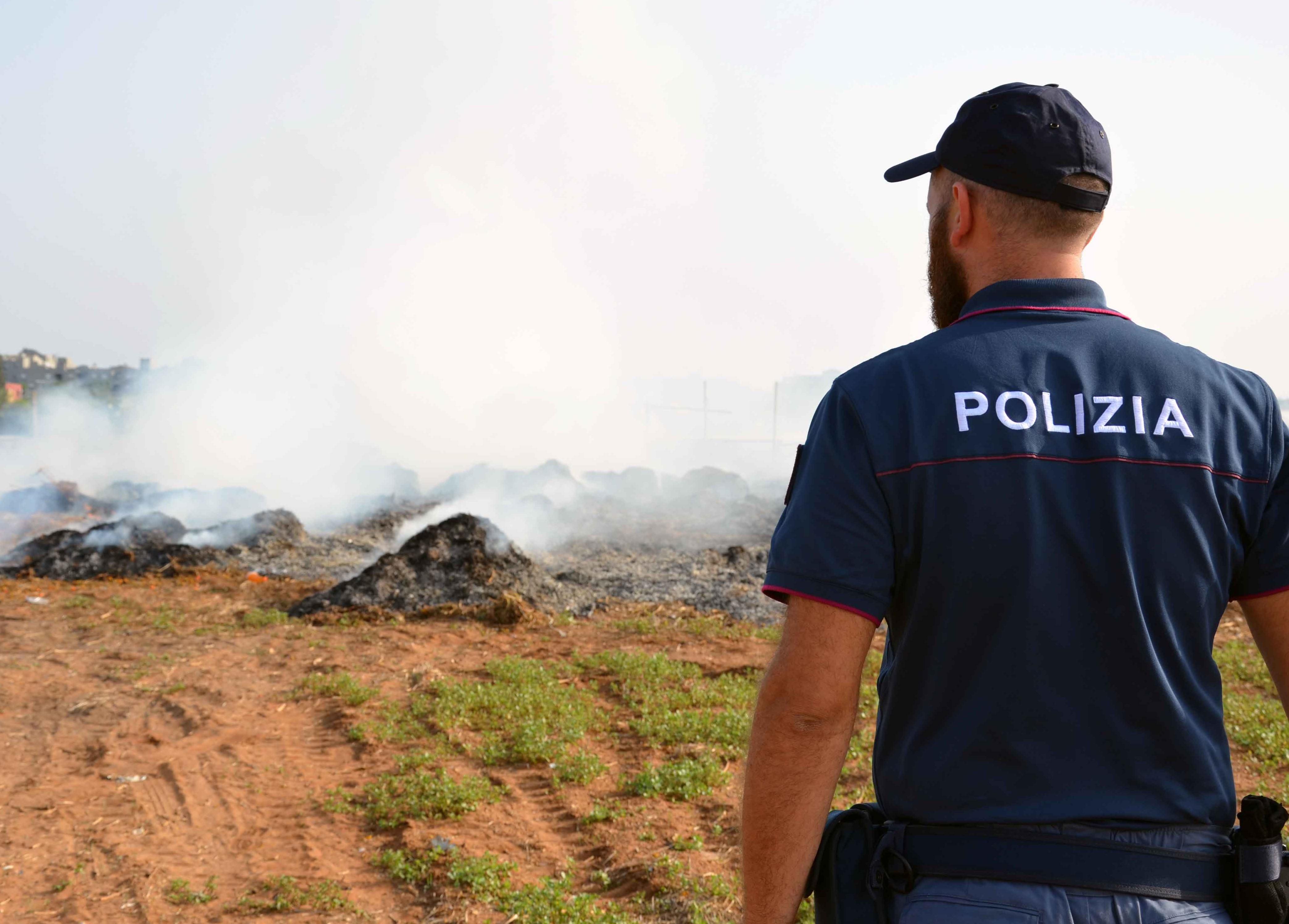 Fumi tossici nella zona Tra Vittoria e Scoglitti: tre denunciati