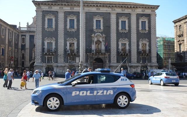 Catania, la Polizia arresta 4 persone per reati diversi