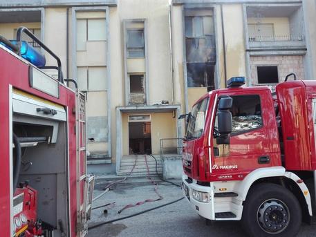Vibo Valencia, incendio in un appartamento: paura, ma nessun ferito