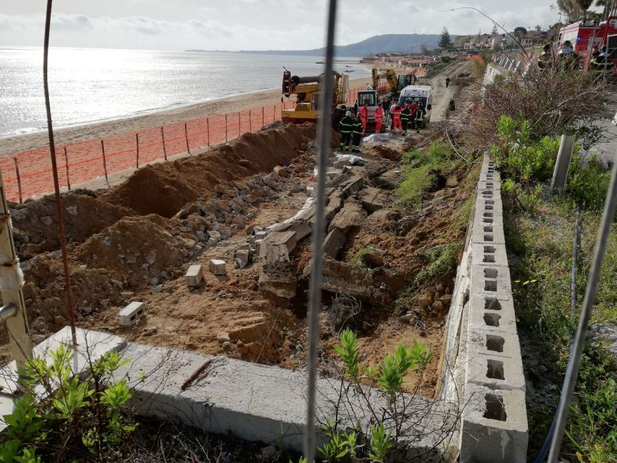 Incidente sul lavoro: crolla un muro, due morti a Crotone