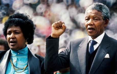 E' morta Winnie ex moglie di Nelson Mandela