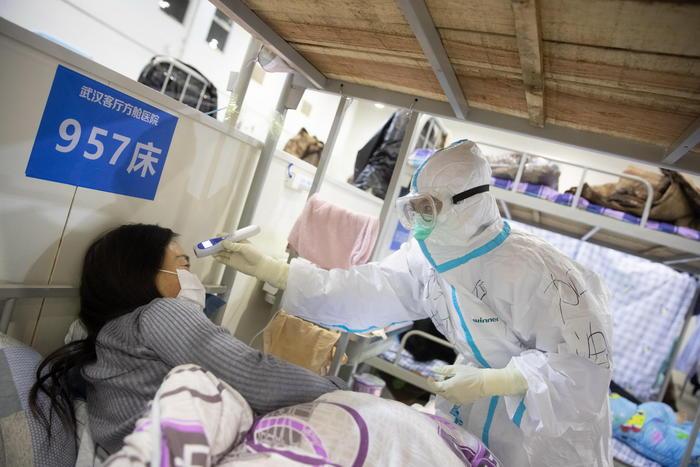 Coronavirus, morto il direttore dell'ospedale di Wuhan: aveva 51 anni
