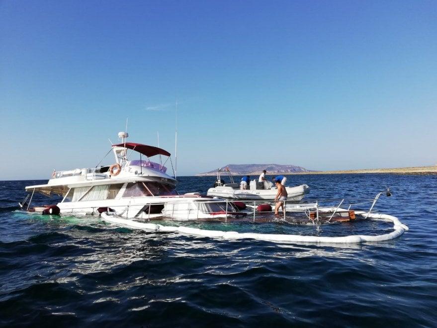 Uno yacht di 15 metri affonda a Favignana: salvi i 7 occupanti