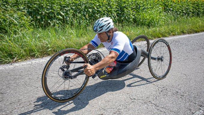 Handbike, grave incidente al campione paraolimpico Alex Zanardi investito da camion