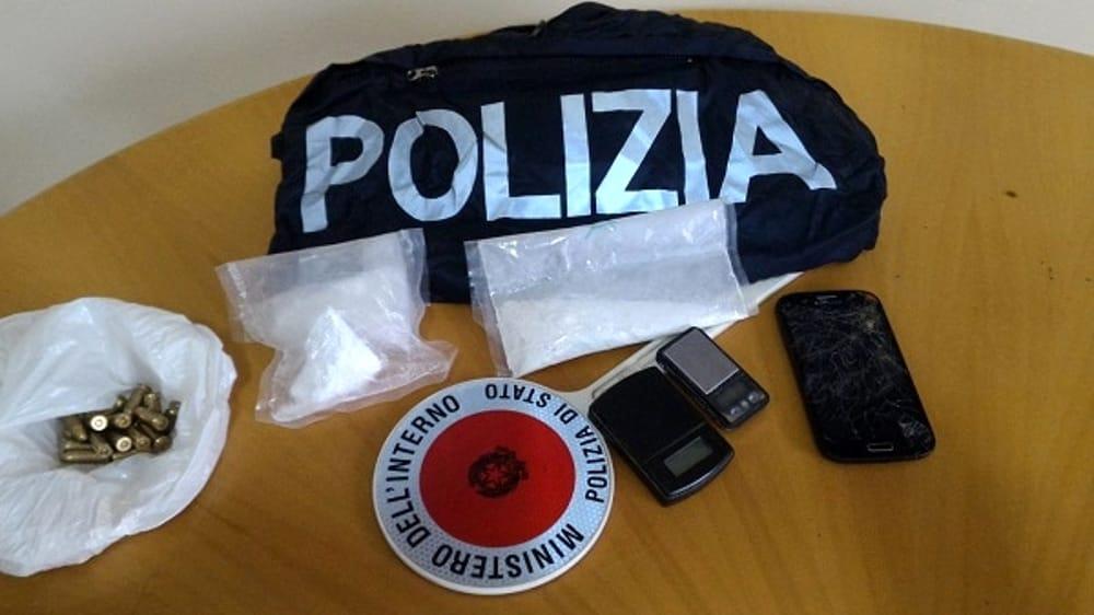 Palermo, gli trovano in casa la cocaina e 20 cartucce: arrestato