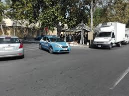 Catania, forza l'alt dei poliziotti: inseguito e arrestato in via Zia Lisa