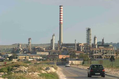 I deputati di 'Cambiamo' pronti a lottare per zona industriale siracusana nel Recovery