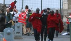 Salvati quasi mille migranti in otto operazioni, recuperati tre cadaveri