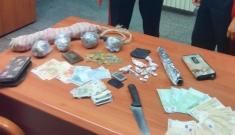 Floridia, vendevano in casa hashish e marijuana: arrestati