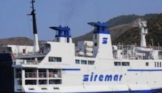 Forte vento a Lampedusa, il traghetto non riesce ad attraccare
