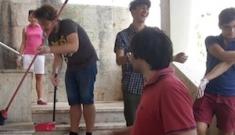 Ragusa, i ragazzi di  Youpolis puliscono la scalinata di via Ruggero Settimo
