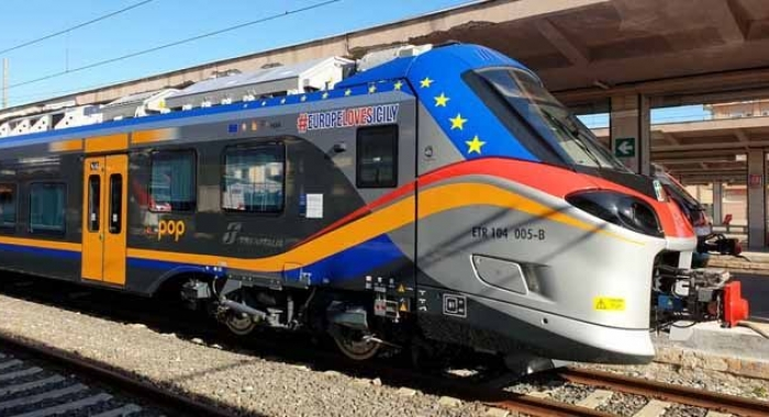 Trenitalia consegna due treni regionali pop a Messina