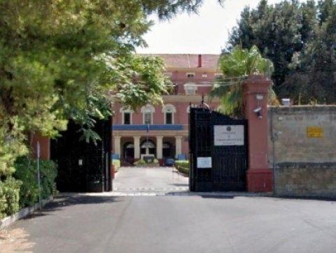 Arrestata una ufficiale della Marina a Taranto per tangenti sugli appalti
