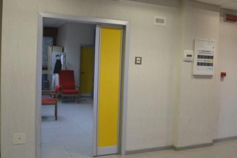 Ragusa bimbo cade dal balcone trasferito a Catania