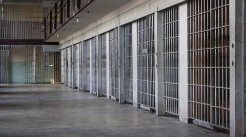 Agrigento, agente di Polizia penitenziaria aggredito da un detenuto