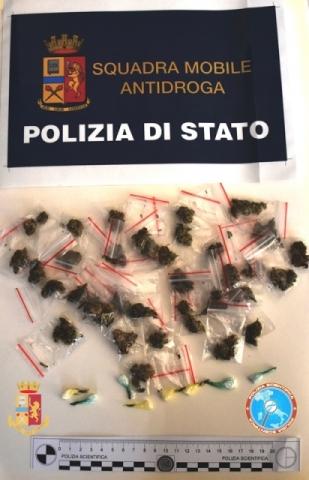 Siracusa, spacciava cocaina in via Italia 103: preso sul terrazzo di casa