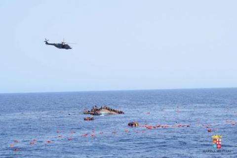 Naufragio: un gommone, affonda 25 miglia a nord della Libia