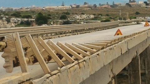 Al via indagini strumentali sul ponte della marzamemi for Ponte sul davanti della casa