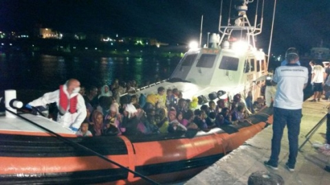 Migranti, naufragio in Libia: i superstiti parlano di 239 morti