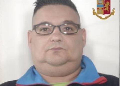 In casa con quasi 5 chili di marijuana un arresto ad for Papino arredi catania