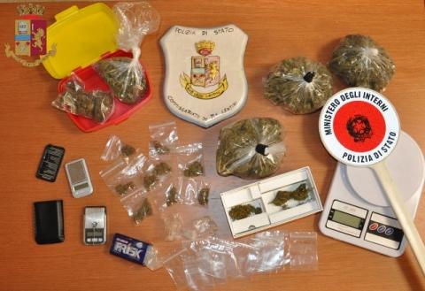Lentini, il cane fiuta la marijuana: giovane finisce agli arresti domiciliari