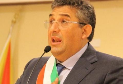Il sindaco di Raffadali Silvio Cuffaro: obbligo turisti comunicare l'arrivo