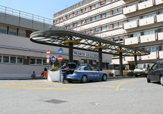 Messina, si pianta un coltello in gola: salvato al Policlinico