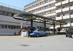 Messina, si pianta un coltello in gola: salvato al Policlinico
